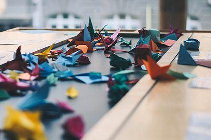 Origami (c) Dev - Unsplash