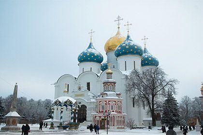 Das Foto zeigt das Dreifaltigkeitskloster in Sergiev Posad.